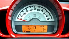Free Red And Black Car Speedometer At Neutral Stock Image - 83075591