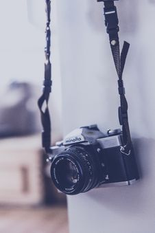 Free Gray And Black Minolta Camera In Tilt Shift Lens Photography Stock Photos - 83075923
