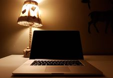 Free Macbook Pro Stock Photos - 83076093