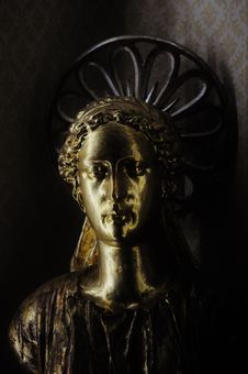 Free Sculpture Of An Angel Royalty Free Stock Photo - 83076195