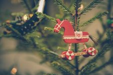 Free Brown And Red Horse Decor Hanged On Christmas Tree Stock Photography - 83076272