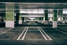 Free Modern Multi-story Car Park Stock Photos - 83076583
