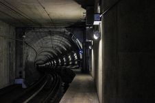 Free Train Tunnel Stock Photo - 83077030