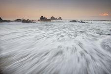 Free White Sea Wave Foam Stock Photo - 83077140