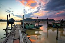 Free Jetty With Boats At Sunset Royalty Free Stock Photos - 83077258