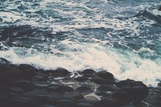 Free Waves Breaking On Rocky Coastline Stock Photography - 83077492