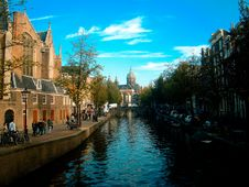 Free Canal In Amsterdam Royalty Free Stock Photo - 83077695