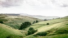 Free Hilly Green Countryside Royalty Free Stock Images - 83078069