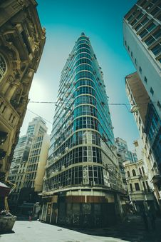 Free Tall Office Building In City Royalty Free Stock Photos - 83078258
