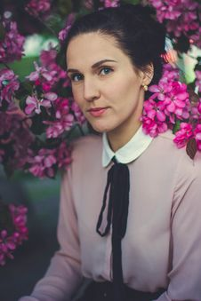 Free Woman Wearing Pink And White Collared Long Sleeve Dress Shirt Under Blooming Pink Petaled Flower Stock Images - 83078534