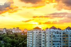 Free Gray White High Rise Building During Sun Set Royalty Free Stock Photography - 83078777