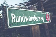 Free Rundwander Weg 9 Road Signage Stock Photos - 83079043