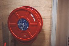 Free Red Hose Storage Handle Royalty Free Stock Photos - 83079308