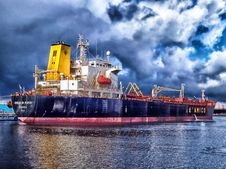 Free Blue And Grey Cargo Ship Navigating Stock Photography - 83079362