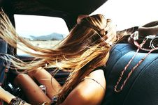 Free Fun Girl On A Road Trip Adventure Royalty Free Stock Photography - 83079437