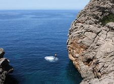 Free Man Jumping To The Ocean Royalty Free Stock Photo - 8315365