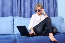 Free Woman With Notebook Stock Photography - 8321062