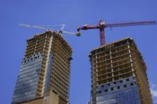 Free Construction Cranes On Twin Highrise Towers Stock Photography - 8322712