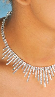 Free Diamond Necklace Royalty Free Stock Photography - 8323837