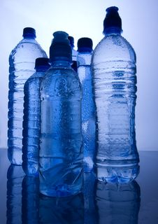 Free Mineral Water Royalty Free Stock Photos - 8330058