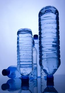Free Mineral Water Royalty Free Stock Photography - 8330267