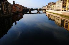 Free River Arno Reflections Royalty Free Stock Photos - 8330478