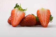 Free Sliced Strawberries Royalty Free Stock Photos - 8334218