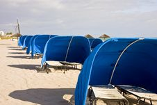 Free Blue Beach Shelters Royalty Free Stock Photo - 8340845