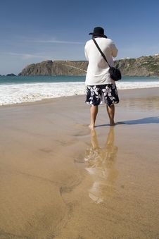Free Male Photographer On The Beach Royalty Free Stock Photos - 8341498