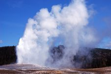 Free Hot Geyser Royalty Free Stock Image - 8343146