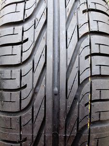 Free Black Car Tire Royalty Free Stock Photography - 8343447