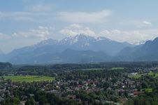 Free The Scenery Of Alpines And Valley Royalty Free Stock Photos - 8345068
