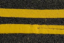 Free Yellow Lines Stock Image - 8345711