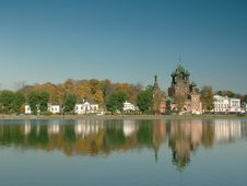 Free Temple On The Dome Of A Pond Stock Photo - 8346640