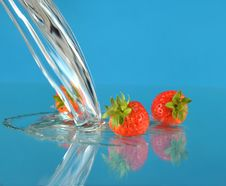 Free Strawberry Royalty Free Stock Photography - 8353897