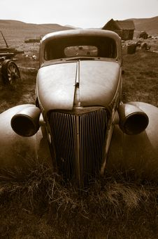 Free Deserted Car, Bodie Royalty Free Stock Image - 8358196