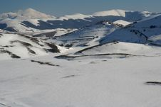 Free Winter Scene In Castelluccio Royalty Free Stock Photos - 8359188