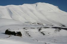 Free Winter Scene In Castelluccio Royalty Free Stock Images - 8359259