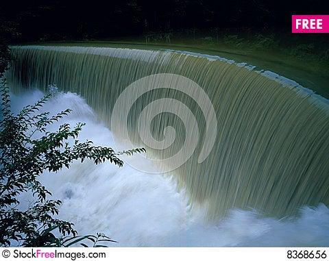 Free Waterfall Royalty Free Stock Image - 8368656