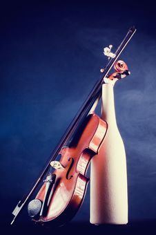 Free Violin Details With Terracotta Vase Royalty Free Stock Image - 8360676