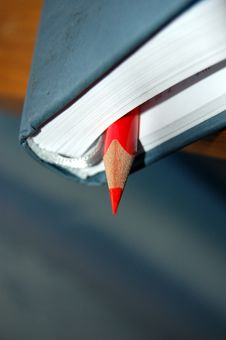 Free Red Pencil And Notebook Stock Photography - 8361252