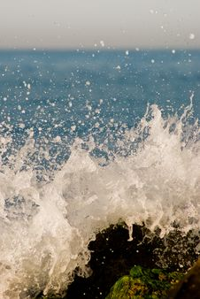 Free Sea Wave And Stone Stock Photos - 8364083