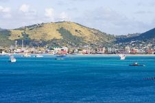 Free Blue Bay Into Island City Stock Photography - 8364862