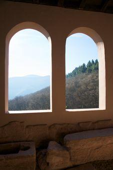 Free Double Window Royalty Free Stock Photos - 8366628