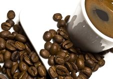 Free Cup Of Coffee With Coffee Grain Royalty Free Stock Images - 8366729