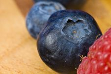 Free Raspberry And Blueberry Royalty Free Stock Image - 8367586
