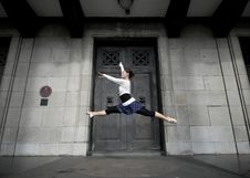Free Female Dancer In The Outdoor Stock Photo - 8372210