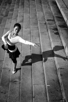 Free Female Dancer In The Outdoor Stock Images - 8372404