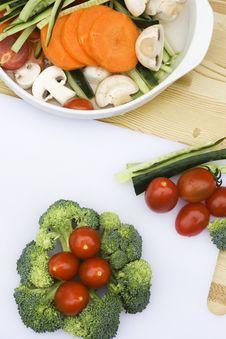 Broccoli And Cherry Tomatoes Stock Photos
