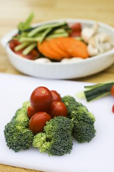 Broccoli And Cherry Tomatoes Royalty Free Stock Image